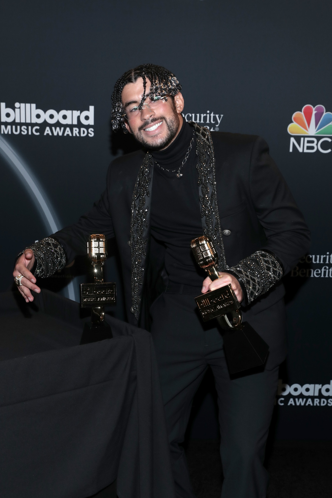 Bad Bunny triunfa en los Billboard Music Awards 2020